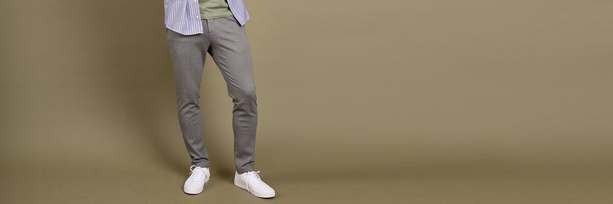 Miesten suorat housut & puvunhousut