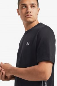 fred-perry-t-paita-taped-side-t-shirt-musta-2