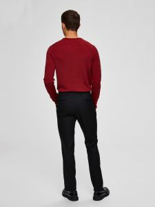 selected-merinovillaneule-tower-merino-crew-neck-kirkkaanpunainen-2