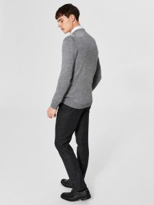 selected-miesten-neule-tower-v-neck-vaaleanharmaa-2