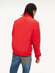 tommy-jeans-miesten-kevattakki-essential-bomber-jacket-kirkkaanpunainen-1