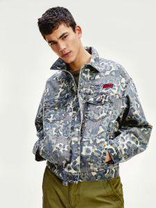 tommy-jeans-miesten-takki-camo-trucker-armeijanvihrea-1