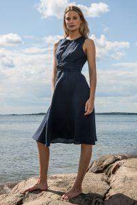 andiata-naisten-mekko-leana-dress-linen-tummansininen-1