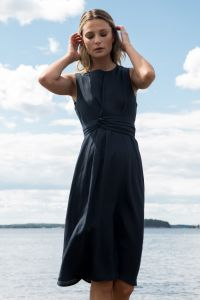 andiata-naisten-mekko-leana-dress-linen-tummansininen-2
