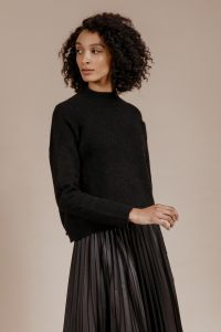 andiata-naisten-neule-sylvana-knit-musta-1