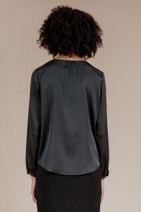 andiata-naisten-silkkipusero-janni-silk-blouse-musta-2