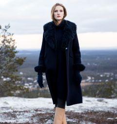 andiata-naisten-villakangastakki-lumilla-fur-coat-tummansininen-1