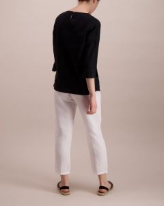 balmuir-naisen-pellavapusero-linnea-musta-2