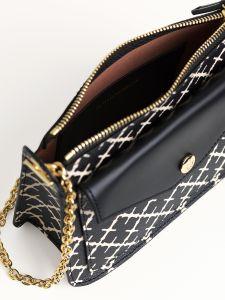 by-malene-birger-laukku-eli-bag-mustavalkoinen-2