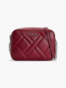 calvin-klein-accessories-naisten-laukku-ck-quilt-camera-bag-kirkkaanpunainen-1