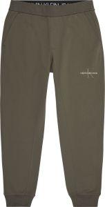 calvin-klein-jeans-miesten-collegehousut-off-placed-iconic-hwk-pant-armeijanvihrea-1