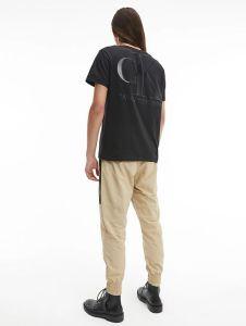 calvin-klein-jeans-miesten-t-paita-leather-monogram-tee-musta-2
