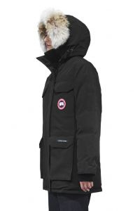 canada-goose-naisten-untuvatakki-expedition-parka-musta-2