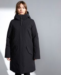 elvine-naisten-talvitakki-elvine-evin-jacket-musta-2