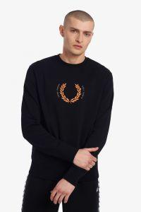 fred-perry-miesten-collegepaita-laurel-wrath-sweatshirt-musta-1