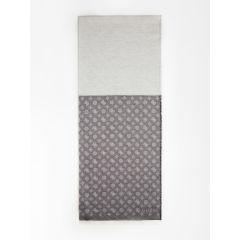 guess-naisten-huivi-dilla-jacquard-scarf-musta-kuosi-1