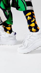 happy-socks-naisten-sukat-36-40-banana-sock-1