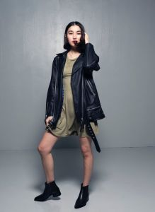 human-scales-unisex-oversize-emelie-leatherjacket-musta-1