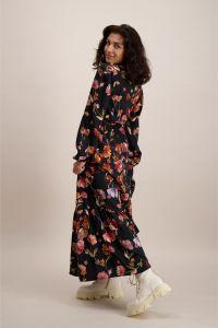 kaiko-naisten-mekko-flowy-dress-musta-kuosi-2