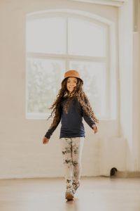 kaiko-lasten-leggiongsit-print-leggings-garden-vaaleanpunainen-kuosi-1