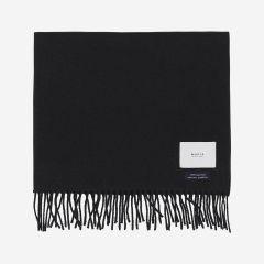 makia-huivi-fabrik-scarf-100-wool-musta-1