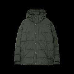 makia-miesten-talvitakki-outpost-jacket-armeijanvihrea-1