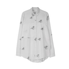 makia-naisten-kauluspaita-calm-shirt-valkopohjainen-kuosi-1