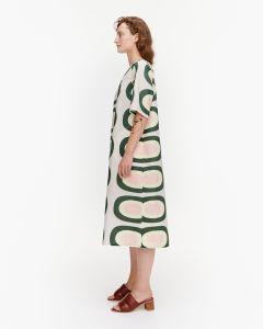 marimekko-naisten-mekko-huomenna-pieni-melooni-mekko-vihrea-kuosi-2