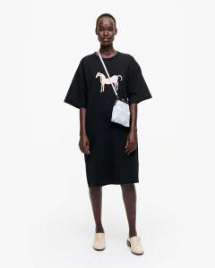 marimekko-naisten-mekko-loistokulta-musta-tamma-mekko-musta-1