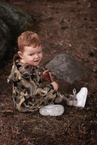 metsola-lasten-haalari-bear-jumpsuit-ruskea-kuosi-1