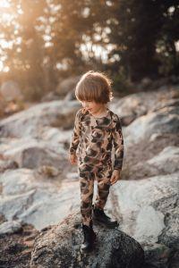 metsola-lasten-paita-bear-shirt-ruskea-kuosi-1
