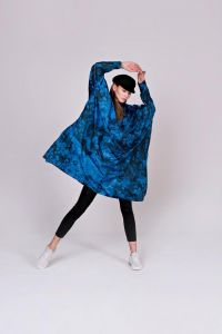 rainkiss-naisten-sadeponcho-blue-bubbles-sininen-kuosi-1