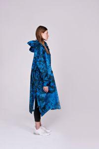 rainkiss-naisten-sadeponcho-blue-bubbles-sininen-kuosi-2