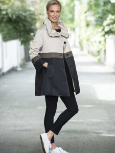ritva-falla-naisten-takki-taika-raidallinen-musta-1