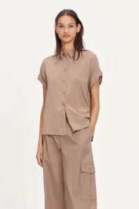 samsoe-and-samsoe-naisten-lyhythihainen-kauluspaita-majan-ss-shirt-9942-beige-1