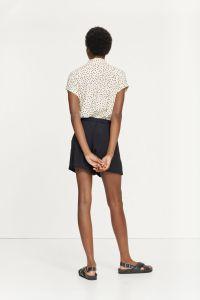samsoe-and-samsoe-naisten-paita-majan-shirt-aop-9942-mustavalkoinen-2