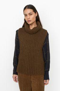 second-female-naisten-neuleliivi-ivoray-knit-vest-armeijanvihrea-1