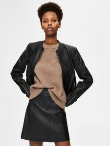 selected-femme-naisten-nahkatakki-fibi-leather-jacket-b-musta-1