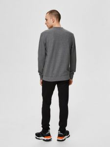 selected-miesten-collegepaita-k-place-crew-neck-tummanharmaa-2