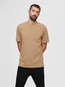 selected-miesten-t-paita-relax-colman-ss-tee-beige-1