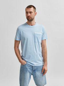 selected-miesten-t-paita-robert-ss-o-neck-vaaleansininen-1