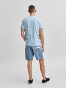 selected-miesten-t-paita-robert-ss-o-neck-vaaleansininen-2