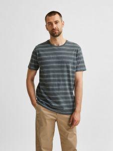 selected-miesten-t-paita-stripe-ss-o-neck-raidallinen-sininen-1