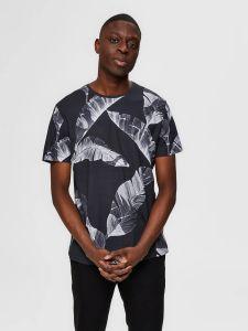 selected-miesten-t-paita-tony-aop-t-shirt-mustavalkoinen-1