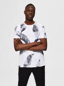 selected-miesten-t-paita-tony-aop-t-shirt-valkopohjainen-kuosi-1