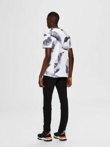 selected-miesten-t-paita-tony-aop-t-shirt-valkopohjainen-kuosi-2