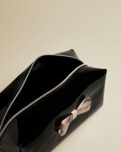 ted-baker-fribee-meikkilaukku-musta-2