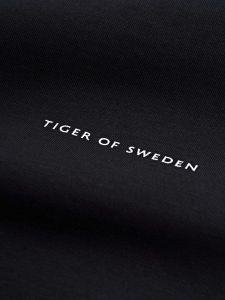 tiger-of-sweden-miesten-t-paita-pro-t-shirt-musta-2