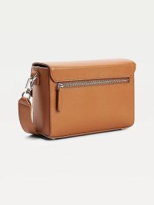 tommy-hilfiger-naisten-nahkalaukku-turnlock-leather-crossover-kameli-2