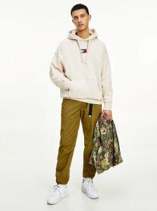tommy-jeans-miesten-huppari-badge-hoodie-beige-1